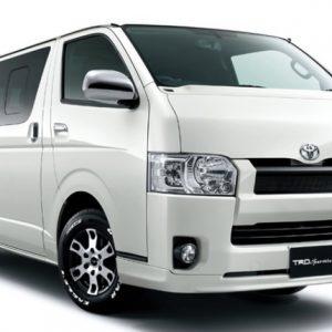Toyota-Hiace-MPV-1